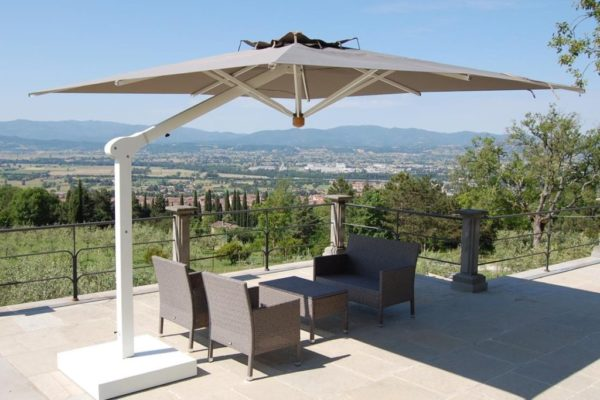 Bellagio Retractable Patio Umbrella for outdoors