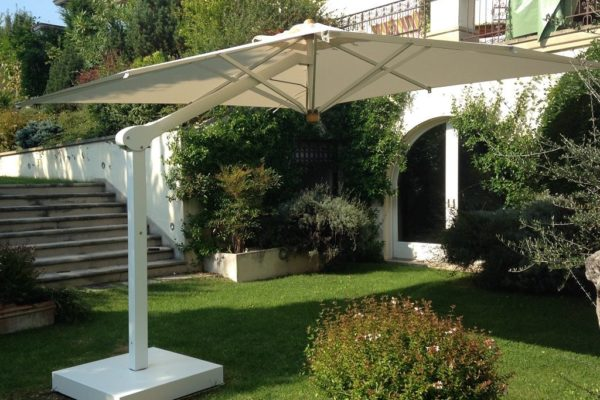 Bellagio Retractable Patio Umbrella for Pool