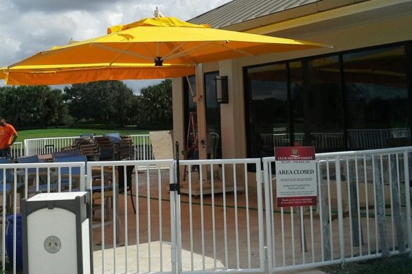 Double Offset Patio Umbrella for country club