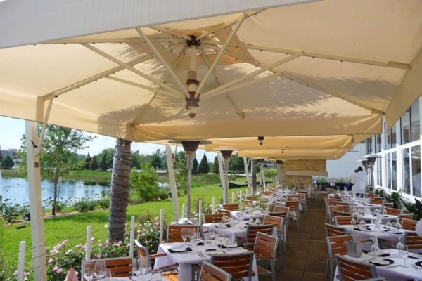 Vulcano LX offset Umbrella for outdoor restaurant patio