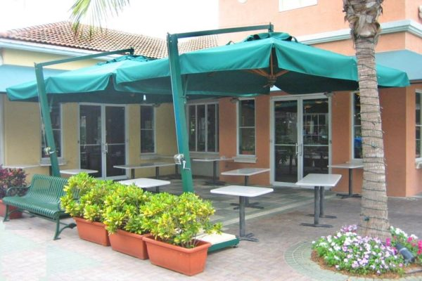 Vulcano LX offset Umbrella for patio