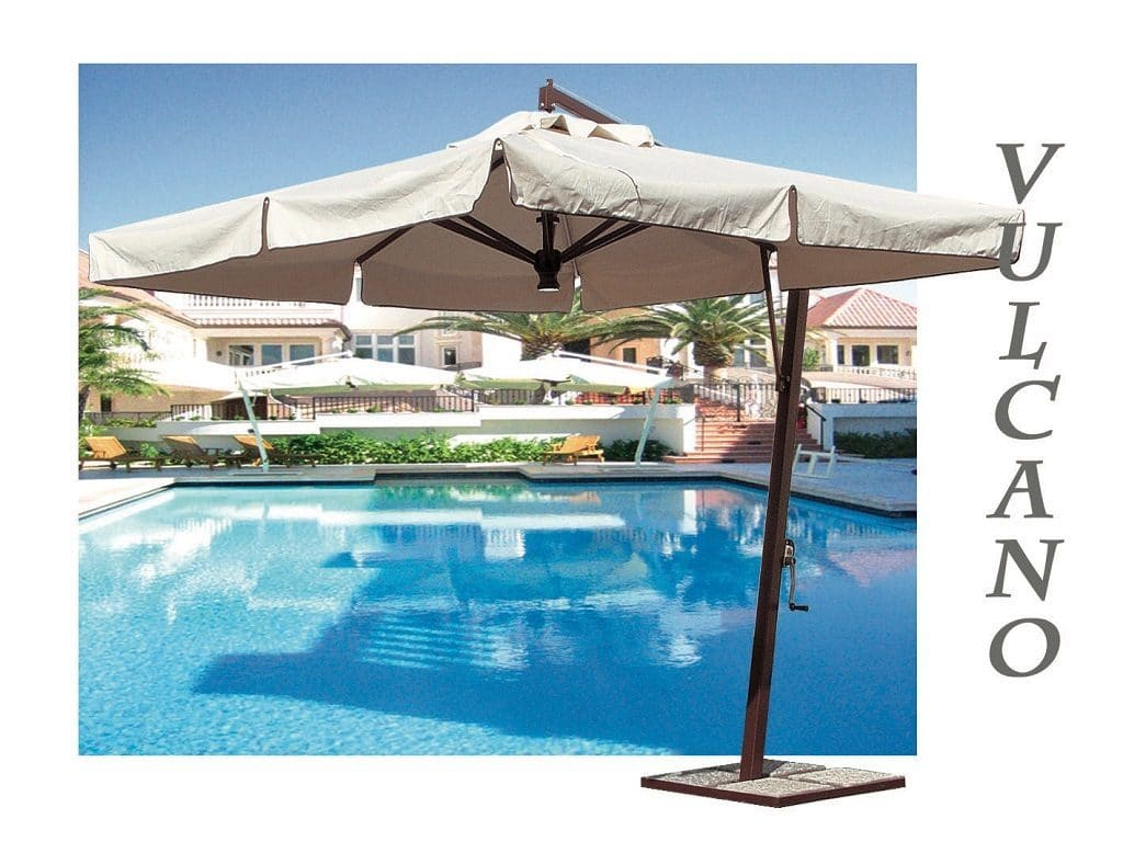 Vulcano Offset Umbrella Poolside